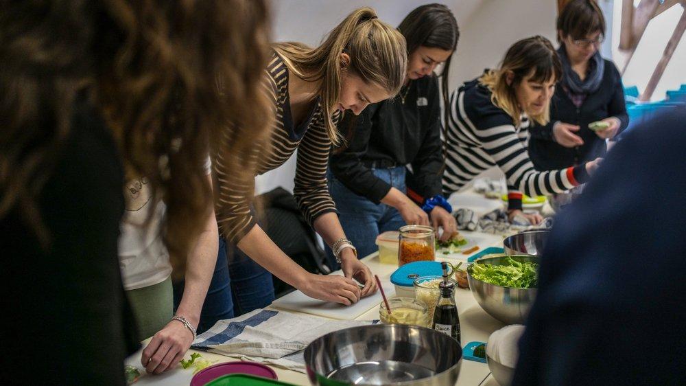 Les participants ont apprist de nouvelles techniques pour réaliser leur repas de midi.