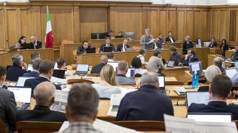 Le POP neuchâtelois ne veut pas d'un Grand Conseil avec 50 hommes et 50 femmes