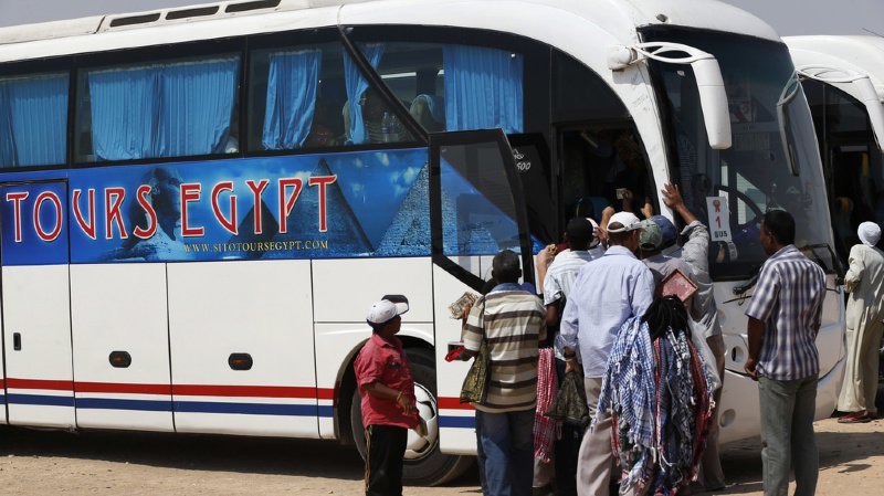 Egypte: une explosion près d'un bus touristique au Caire fait au moins 17 blessés