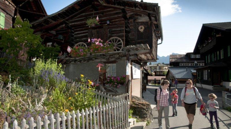 Tour Guidé du Village