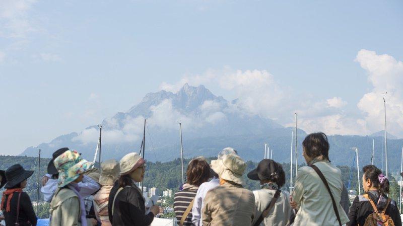 Tourisme: 12'000 Chinois vont affluer à Lucerne, la ville prévoit d'importantes perturbations