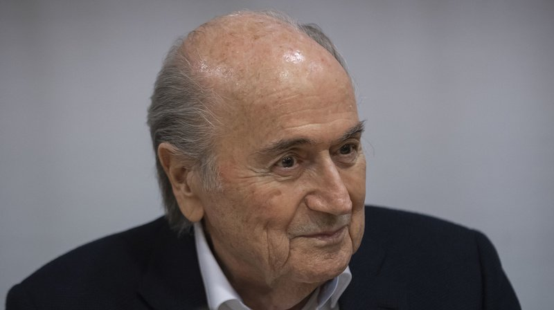 Football: Blatter menace de poursuivre la FIFA et Infantino en justice