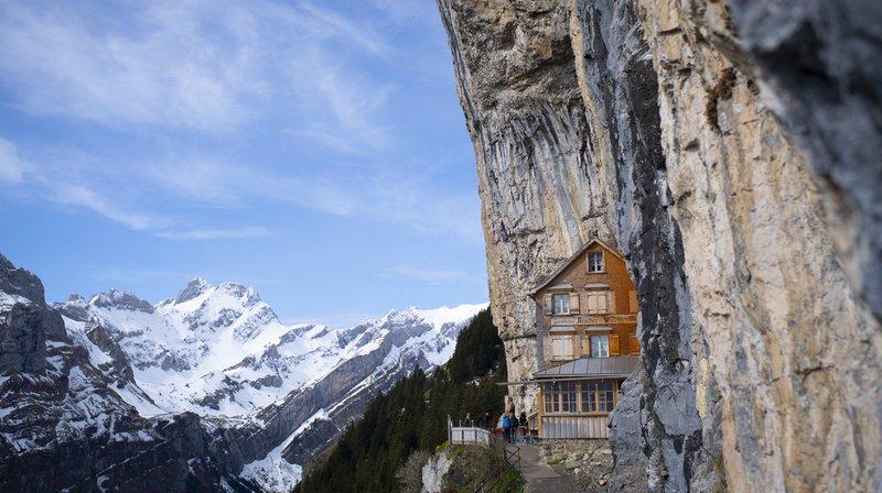 Appenzell Rhodes-Intérieures: l'Aescher, le célèbre restaurant d'altitude, est ouvert