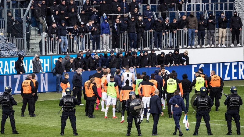 Les joueurs de GC avaient tenté de raisonner les hooligans. Plusieurs d'entre eux écopent d'une interdiction de stade avec effet immédiat.