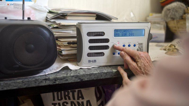 Des radios d'entreprises bientôt disponibles sur le réseau de radio numérique en Suisse romande