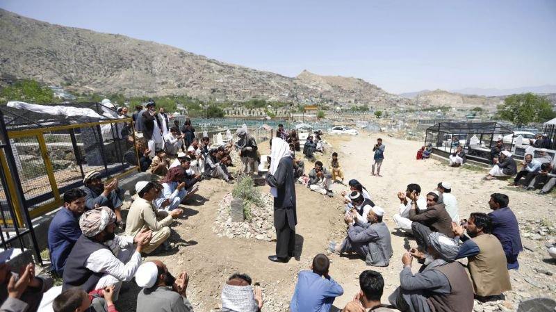 Funérailles d'une journaliste à Kaboul: elle a été tuée par des inconnus.