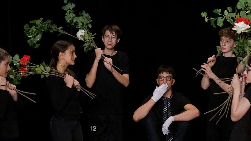 Quand Alice rencontre Blanche-Neige au théâtre du Pommier de Neuchâtel