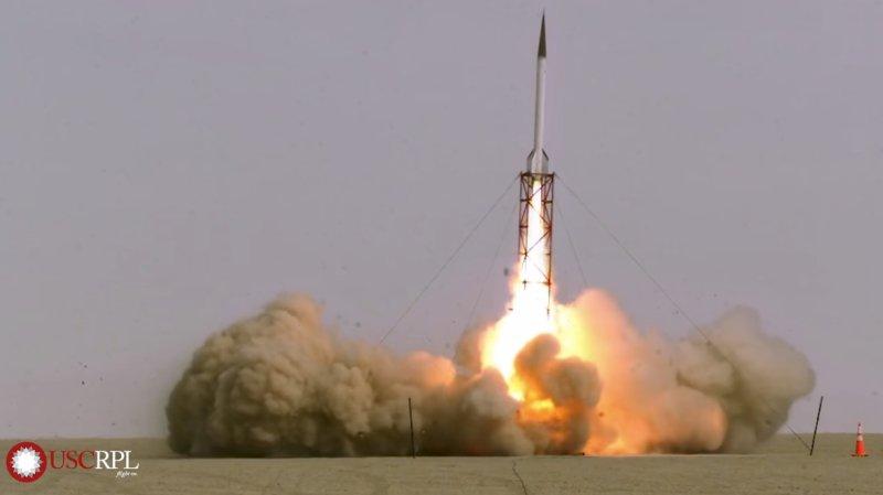 La fusée est partie un peu de traviole, mais tout c'est bien passé!