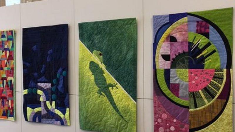 L'exposition rassemble près de 70 oeuvres des quilteuses de Neuchâtel Patchwork.