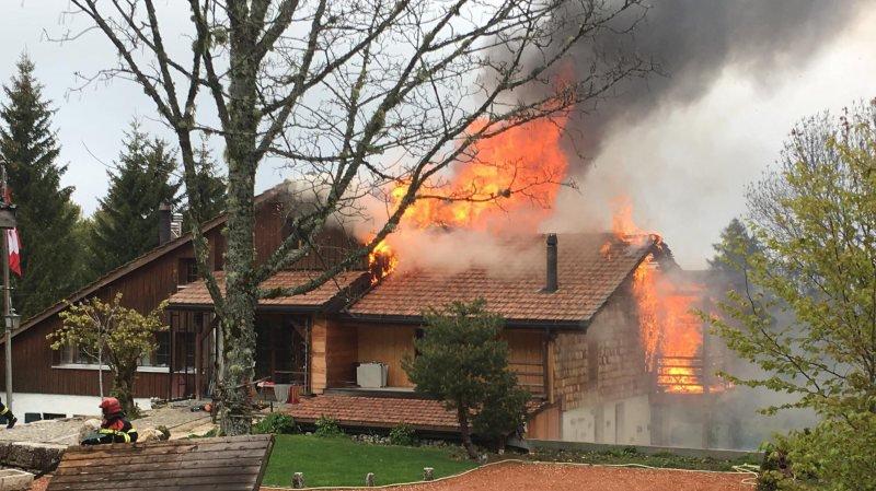 L'incendie au Rhédoz, ce mardi 21 mai.