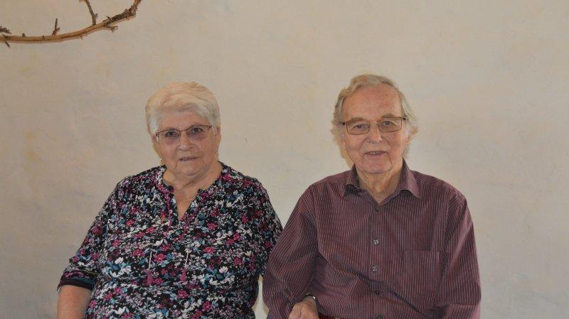Mariés à Fribourg il y a pile 60 ans, Berthe et Nicolas Monnard ont choisi de vivre à La Chaux-de-Fonds.