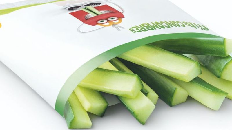 En France, McDonalds propose des lots de bâtonnets au concombre à la place des portions de frites.