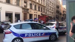France: une explosion dans une rue piétonne à Lyon fait au moins treize blessés