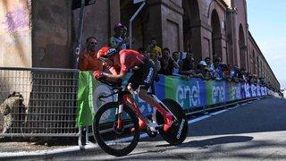 Cyclisme: le Néerlandais Tom Dumoulin chute lourdement et perd tout espoir de remporter le Tour d'Italie