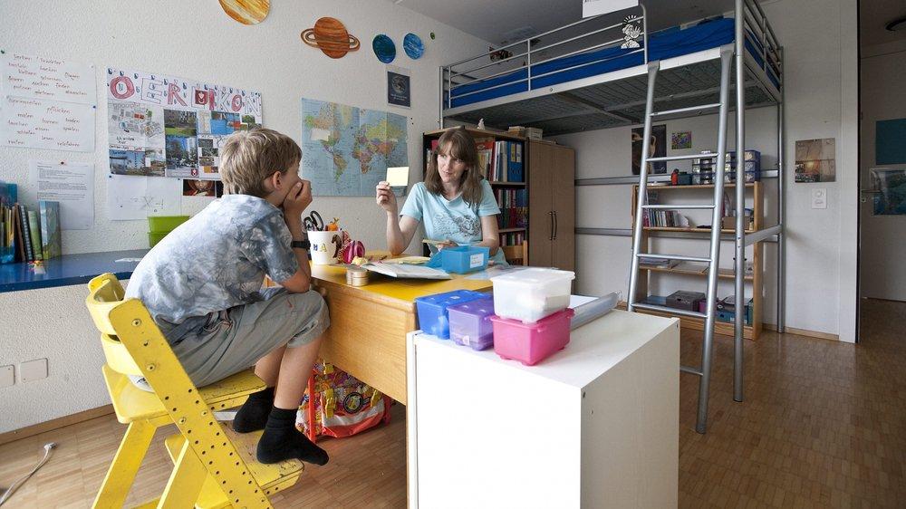 Le canton de Neuchâtel pourrait s'inspirer de Fribourg et interdire l'école à la maison si l'un des parents n'a pas de diplôme dans l'enseignement.