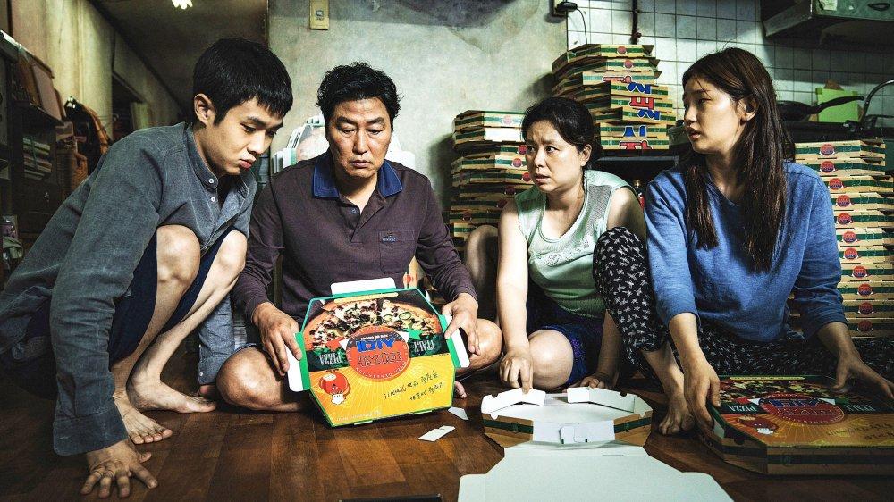 Au chômage,  la famille du jeune Ki-taek va refaire surface…