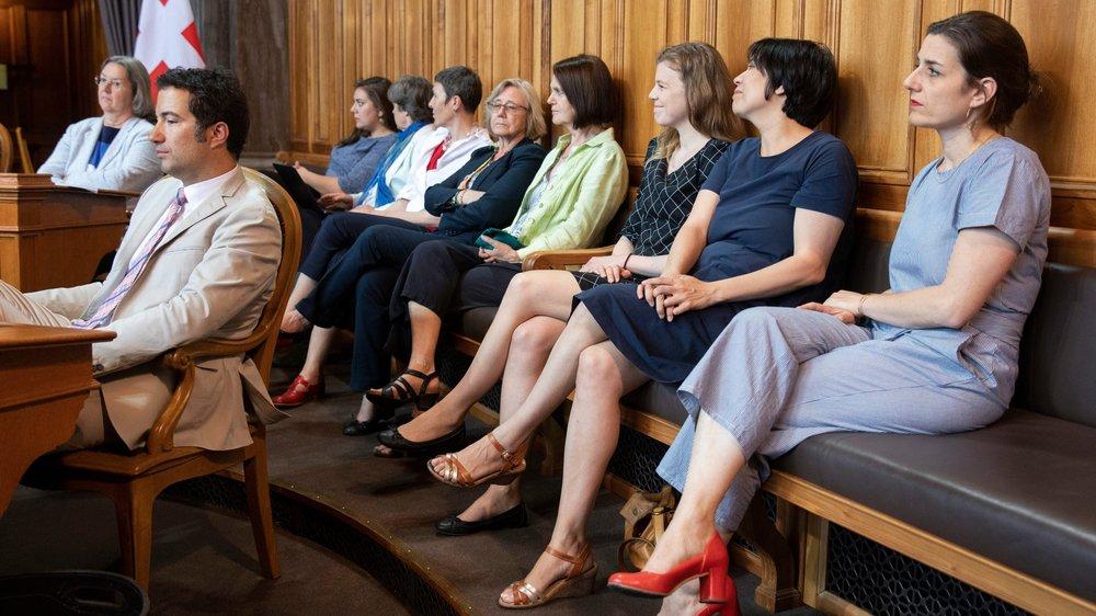 Plusieurs conseillères nationales avaient fait le déplacement, hier, au Conseil des Etats, pour suivre le débat sur la représentation des femmes dans les conseils d'administration. La Chambre du peuple avait déjà accepté l'idée  de seuils féminins pour les  directions et les conseils  d'administration.