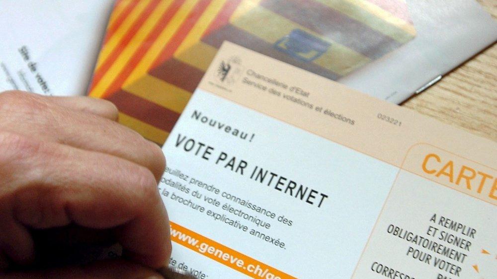 En 2004, pour la première fois  en Suisse, des Genevois votaient en ligne.