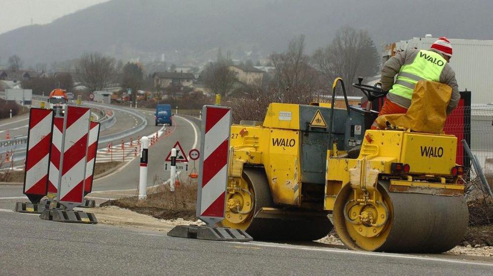 Les machines de chantier ne sont pas prêtes d'être remisées au garage dans le canton de Neuchâtel.