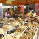 Le petit marché de Chanélaz