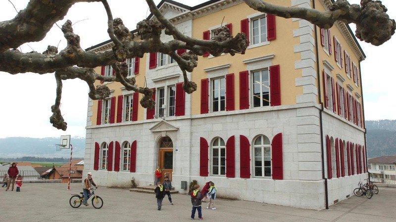 Marche arrière à Val-de-Ruz: tous les élèves ne seront pas déplacés, pour l'instant