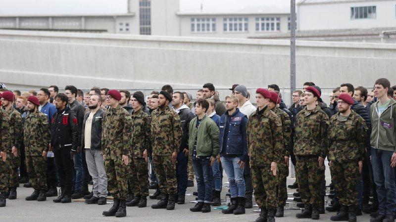 Armée: près de 10'000 recrues et 2500 cadres sous les drapeaux ce lundi