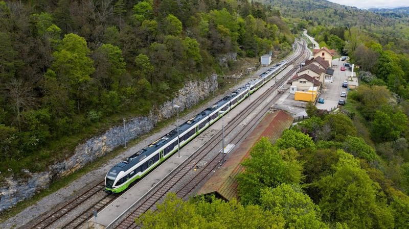 Le canton de Neuchâtel aura sa ligne directe, Le Locle et La Chaux-de-Fonds leurs évitements routiers