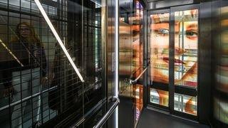 La Chaux-de-Fonds: les fresques de la cage d'escaliers de la gare inaugurées