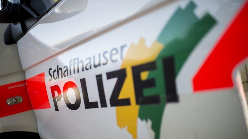 Schaffhouse: enfant sauvé de la chaleur après s'être enfermé dans une voiture