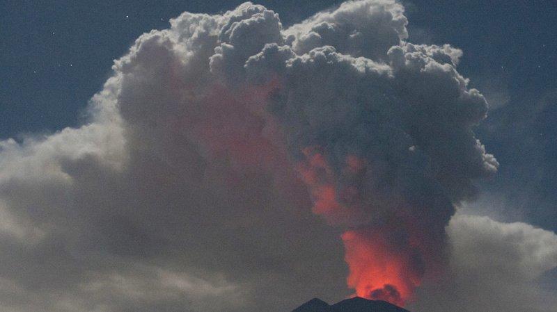 Papouasie-Nouvelle-Guinée: un des volcans les plus dangereux au monde entre en éruption