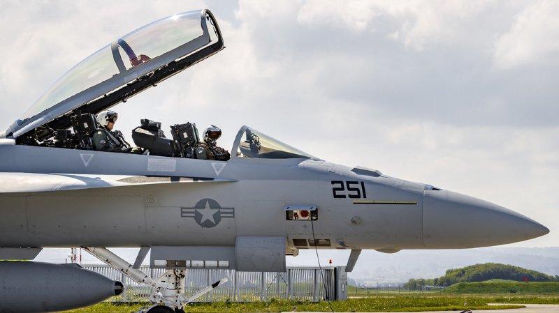 Armée: les Suisses devraient voter sur l'achat des avions de combat en automne 2020