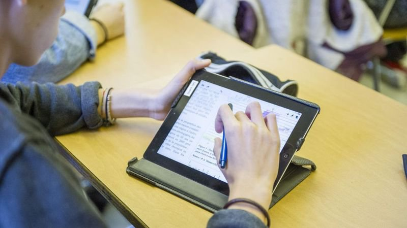 A Bâle-Campagne, tous les élèves de l'école secondaire recevront un iPad pour suivre les cours.