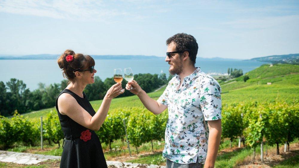 Les Neuchâtelois Carine Martin et Sandro De Feo sont les acteurs d'un clip vidéo qui mettra en avant les richesses du canton.