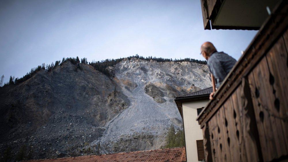 Le village de Brienz, dans les Grisons, a connu un grand éboulement en 1877. Depuis quelques années, le prochain se fait sentir.