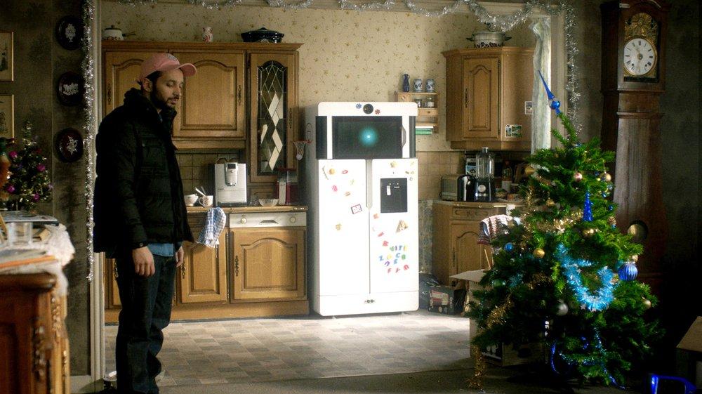Yves (la voix d'Antoine Gouy), un frigo qui nous veut du bien.