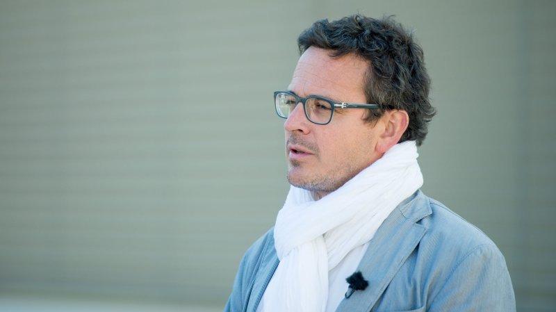 Le conseiller communal chaux-de-fonnier Théo Huguenin-Elie reprend la présidence.