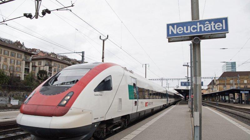 Le trafic ferroviaire a été interrompu à cause d'un problème technique sur la voie, réparé samedi après-midi.