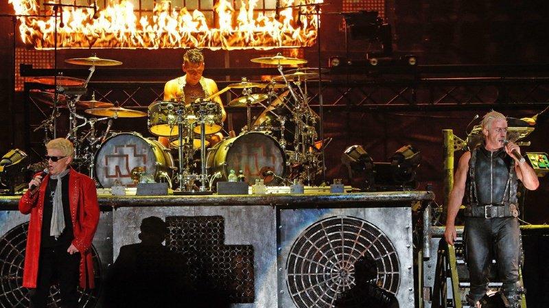Rammstein, qui a joué récemment à Berne, avait annoncé fin juin la prolongation de la tournée actuelle. En Suisse, le groupe allemand se produira les 6 et 7 juin 2020 (ici en concert en Allemagne en 2013).