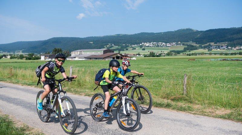 Campus Tour: à vélo ou à pied, les 2300 élèves de Val-de-Ruz se bougent
