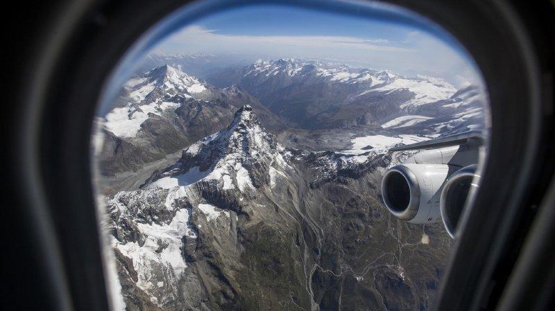 Moins de vols en avion et plus de voitures électriques: les mesures de la Confédération pour le climat