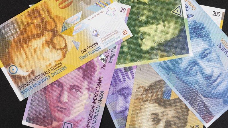 """Emploi: 12% des travailleurs en Suisse ont un """"bas salaire"""", soit moins de 4'335 francs par mois"""