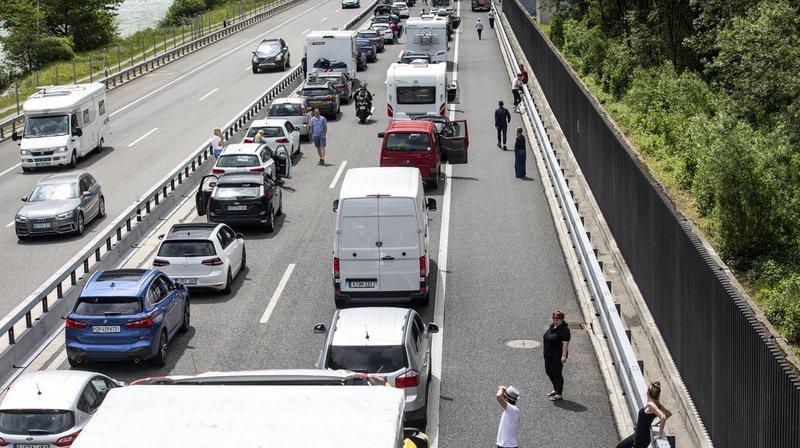 Les automobilistes doivent prendre leur mal en patience pour rejoindre le sud du tunnel du Gothard. (Illustration)