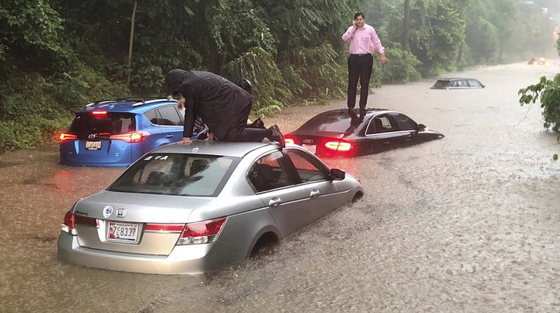 Pluies diluviennes: inondations spectaculaires à Washington