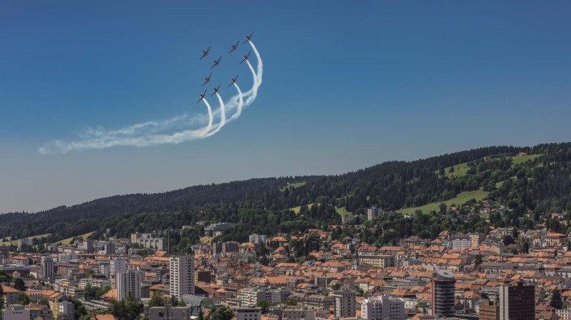 Le 10e de l'Unesco salué depuis le ciel chaux-de-fonnier
