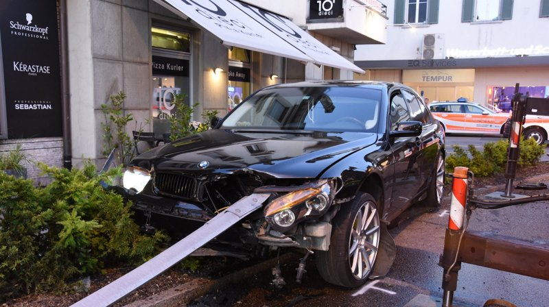 Saint-Gall: sans permis, il provoque un accident spectaculaire avec la voiture de sa mère