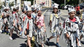 «De l'eau! De l'eau! De l'eau!»: une Fête de la jeunesse sous le soleil à Neuchâtel