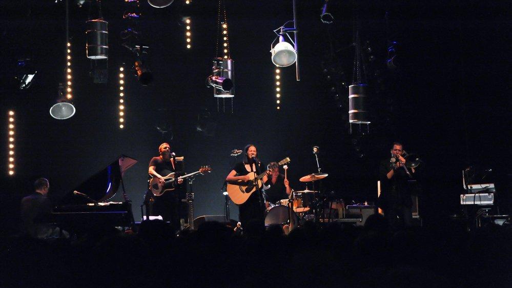 Simon Gerber a accompagné Sophie Hunger durant huit ans, comme ici en 2011 au Corbak Festival.