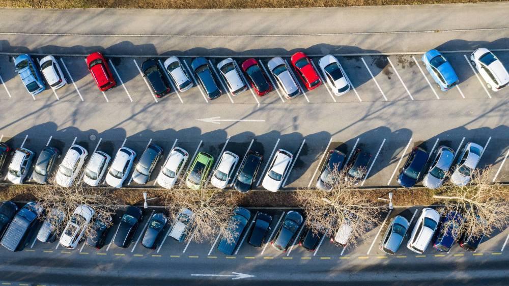Parking des piscines du Nid-du-Cro en février 2019.