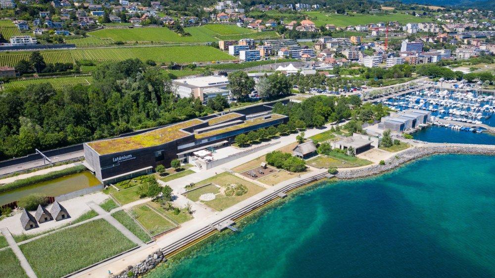 Et si on prenait un peu de hauteur sur la situation du canton de Neuchâtel? Ici le Laténium à Hauterive.