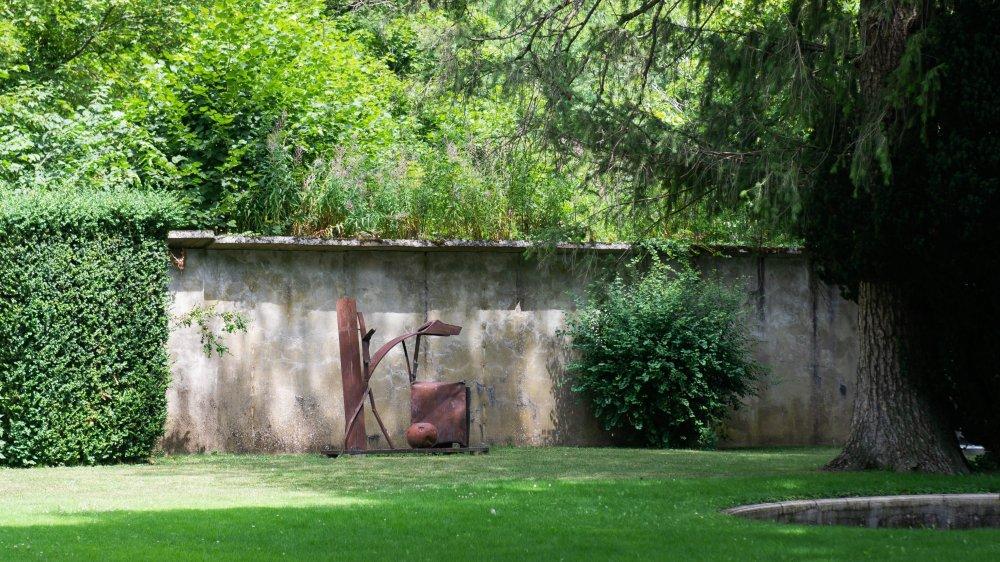 Le parc du château de Vaumarcus accueille encore l'une ou l'autre œuvre dont la propriété était contestée.